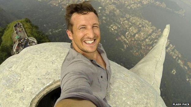 Lee Thompson said that this selfie was taken safely and with permission.